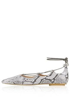 KINGDOM Snake-Effect Ghillie Pointed Flats