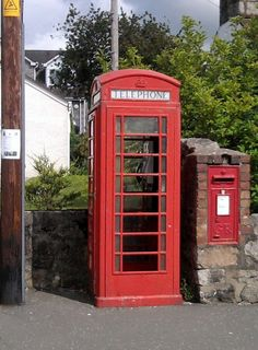 The old telephone booth... I remember the day!