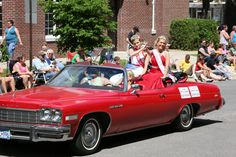 Any parade worthwhile has to have beauty queens, right?