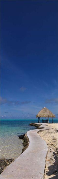 Bora Bora by Peter Bellingham