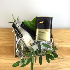 Nette Geschenke Online-Shop - Geschenke * Geschenkboxen Drinks, Bags, Guy Presents, Gifts For Women, Mother's Day, Christmas Gifts, Packaging, Birth, Drinking