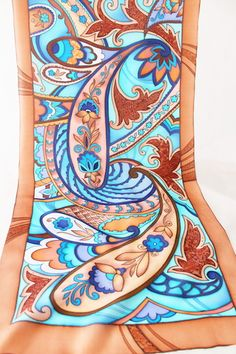 Привет всем любителям и почитателям замечательного вида творчества - батик! Меня зовут Ольга. Живу я в городе Липецк. Немногим больше года увлеклась батиком и влюбилась в него окончательно и беспово …