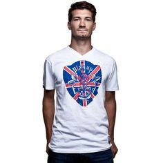 Play Up England vintage shirt - Vintage shirt van het merk COPA met als thema Play Up England. Op de voorkant van dit witte shirt met v-hals staat een print met daarin de Engelse vlag verwerkt met in het midden een roos en daarom heen de tekst Play Up England. Dit shirt is onderdeel van de COPA vintage reeks. www.retrovoetbalshirts.nl