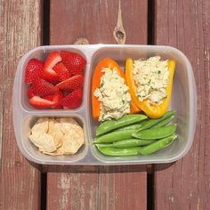 Chicken salad in pepper boats Lunch Meal Prep, Healthy Meal Prep, Healthy Snacks, Healthy Eating, Healthy Recipes, Work Meals, Work Lunches, School Lunches, Lunch Snacks