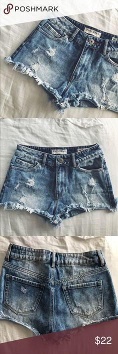 Pacsun high rise shorts Pacsun Bullhead high rise distressed denim shorts size 3. Cutoff/frayed hem PacSun Shorts Jean Shorts