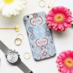 Taking the phone to a whole new level! (Photo by @clararingqvist) #oddmolly #madeinlove #coverupmobilecase