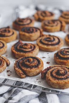 Food To Make, Healthy Snacks, Healthy Lifestyle, Vegetarian Recipes, Muffin, Paleo, Food And Drink, Baking, Drinks