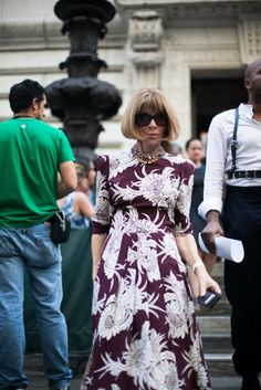 Anna Wintour, 51 street style photos from New York Fashion Week #NYFW #floral