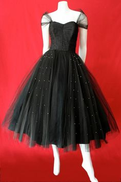 black tulle dress trimmed with rhinestones by Fred Perlberg~ Soooo lovely! Vintage Prom, Vintage Mode, Vintage Black, 1950s Style, Vintage Outfits, Vintage Dresses, 1950s Prom Dress, Prom Dresses, Black Tulle Dress