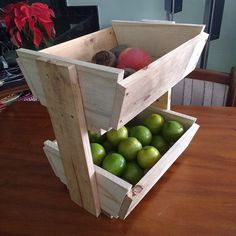 Rustic Pallet Fruit Stand | Pallet Furniture DIY