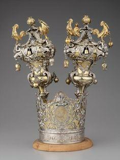 Rimmonim e corona, Museo  ebraico di Roma Jewish ritual crown