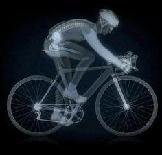 ¿Sabes de que van los problemas en los huesos? ¿Porque se dice que el ciclismo es el peor deporte para la salud de tus huesos? Mira que debes saber.