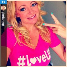 Thanks for the support!! #deuces @gloriannqt with @repostapp.・・・www.reconap.com proceeds benefit Johnjay and Rich Care for Kids Foundation  #loveUp #pinkloveuptshirt #blessings #payitforward