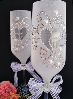 1 million+ Stunning Free Images to Use Anywhere Diy Wine Glasses, Glitter Glasses, Decorated Wine Glasses, Painted Wine Glasses, Marie's Wedding, Wedding Champagne Flutes, Champagne Glasses, Wedding Gifts, Bridal Glasses