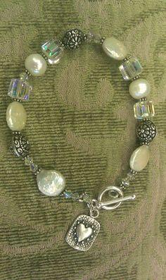 Bali/Pearl/Crystal bracelet