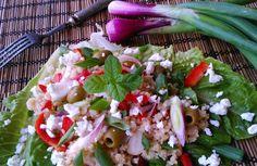 Tartalmas görög saláta, elrugaszkodva a klasszikus görög saláta receptjétől. Caprese Salad, Cobb Salad, Diet Recipes, Cake Recipes, Ciabatta, Meal Prep, Meals, Ethnic Recipes, Fitt