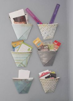 Learn how to make an easy origami turkey with this simple step-by-step tutorial. This origami bird is a great Thanksgiving Day DIY project for kids. Origami Cup, Origami Bird, Origami Easy, Origami Paper, Diy Paper, Paper Crafts, Summer Crafts For Kids, Diy Projects For Kids, Origami Turkey