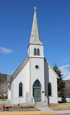 First Evangelical Lutheran Church (Gypsum, Colorado) Church Pictures, Old Churches, Lutheran, Notre Dame, Places To Go, Mansions, Cathedrals, House Styles