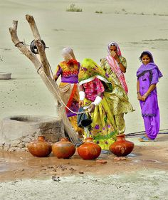 See the World Through Pattern and Colour, pakistan-zindabad: Thar desert, Sindh. We Are The World, People Of The World, Village Photography, Pakistan Zindabad, Pakistan Tourism, Pakistan Images, Pakistani Culture, Amazing India, India Culture