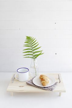 Use recycled wood to create a rustic breakfast-in-bed tray. Use recycled wood to create a rustic breakfast-in-bed tray.