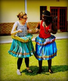 Day 31 Moments in Africa: {the Queen} Tsonga Traditional Dresses, Hair Wrap Scarf, Win Online, Commute To Work, Diy Clothes, Black Women, Captain Hat, Beautiful Women, African