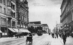 """Ulica Świdnicka. Widok na północ. Bez """"Renoma"""". tym czasie na tym miejscu stal hotel Residenz zburziny w latach 20-tych i na miejscu hotelu zbudowano Dom Handlowy WERTHEIM pozniej w latach 30-tych w ramach tzw aryzacji mienia zydowskiego przejety przez Niemcow i nazwany AWAG Lata 1900-1915"""