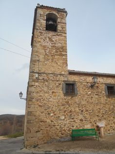 Riofrío de Riaza. Iglesia de San Miguel Arcángel. Torre y pies de la nave