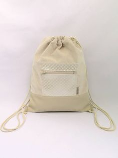 Gym-bag 02 női hátizsák - Monimi Design - Egyedi táskák és kiegészítők. fc21c55ea3