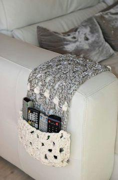 knit remote holder