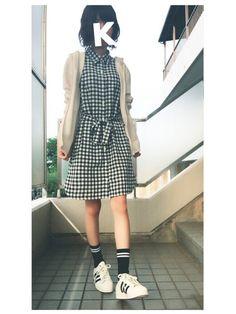 白×黒ギンガムチェックのカーディガンコーデ