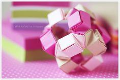 Post-it origami.