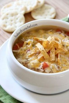 The best slow cooker chicken tortilla soup! Recipe by (crock pot soup recipes spicy) Slow Cooker Huhn, Crock Pot Slow Cooker, Crock Pot Cooking, Slow Cooker Recipes, Crockpot Recipes, Soup Recipes, Cooking Recipes, Pasta Recipes, Stuffed Peppers