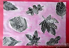 Benodigdheden:  wit tekenpapier A4 formaat  potlood  zwarte viltstift  waterverf  penseel  pot met water  gekleurd papier  wit potlood  Teke...