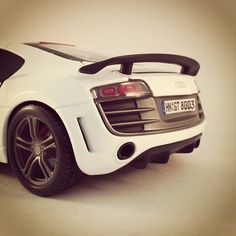 No wonder the SLS is getting up close with the R8! Stunning backside!