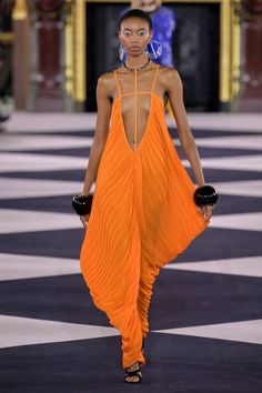 Balmain Spring 2020 Ready-to-Wear Fashion Show - Vogue Fashion Week Paris, Fashion 2020, Runway Fashion, High Fashion, Fashion Outfits, Womens Fashion, Fashion Trends, Ankara Fashion, Haute Couture Style