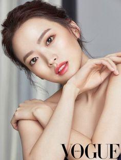 Vogue Captures Chun Woo Hee's Charming Elegance | Koogle TV