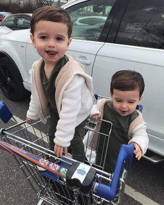 Nicholas and Bryant Harington Cute Baby Twins, Twin Baby Boys, Cute Little Baby, Twin Babies, Little Babies, Baby Kids, Twin Toddlers, Beautiful Children, Beautiful Babies