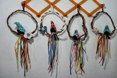 passarinho no cipó Dream Catcher, Home Decor, Things In Life, Yarns, Activity Toys, Pink, Scrappy Quilts, Spring, Pictures