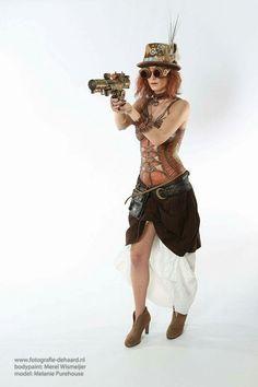 Steampunk bodypaint Corset  Artist: Merel Wismeijer Face Fantasy BodyArt  Amersfoort  Photo: Ben de Haard Model: Melanie Purehouse
