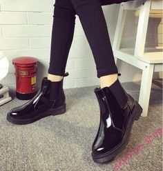 Womens Black Patent Leather Round Toe Pull On Low Heels Short Ankle Boots