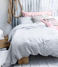 Sänggavel av korrigerad plåt, HM Home
