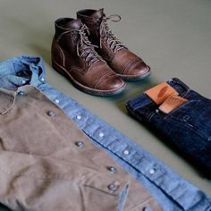 3d38facc Great outfit grid with a soft and subtle contrast between the jacket and  the flannel shirt