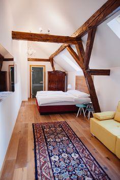 Outdoor Furniture, Outdoor Decor, Modern, Bed, Room, Design, Home Decor, Hotel Bedrooms, Bedroom