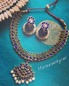 Check out the classic south indian kemp jewellery collections from this brand and get ready to shop. Jhumka Designs, Gold Earrings Designs, Necklace Designs, South Indian Jewellery, Indian Jewelry, Antique Jewelry, Silver Jewelry, Gold Jewellery, Ancient Jewelry