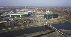 Ghelamco Arena in Gent van Bontinck - voetbalstadion, kantoren en commerciële activiteiten met verkeersinfrastructuur