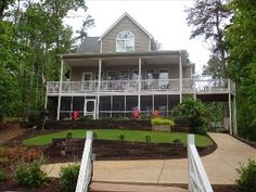 welcoming family retreat steps from the lake with flat lot 400 rh pinterest com