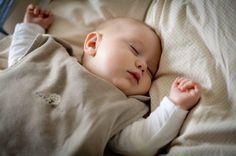 Un sommeil paisible et sans pleurs. Comment aider bébé à s'endormir?