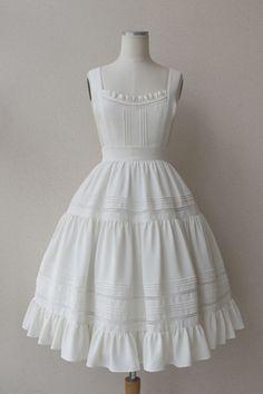 Old Fashion Dresses, Stylish Dresses, Casual Dresses, Fashion Outfits, Pretty Outfits, Pretty Dresses, Beautiful Dresses, Cute Outfits, Vintage Dresses