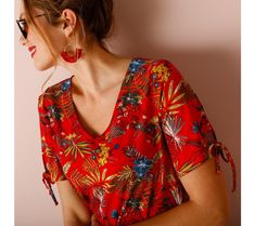 Tričko s rukávmi na zaviazanie | blancheporte.sk #blancheporte #blancheporteSK #blancheporte_sk #jarnakolekcia #jar #isabella Floral Tops, Fashion, Moda, Top Flowers, Fashion Styles, Fashion Illustrations