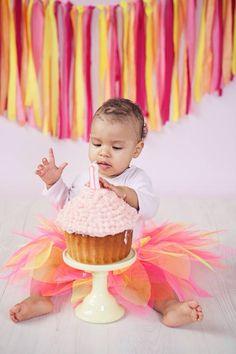 Some cute photos from Esmé's 1st Birthday!  Cake smash visit www.veroj.com   #verojphotography #london #cakesmash